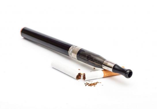 Addiction Tabac - E-cigarette ou tabac ? L' avis des médecins