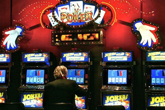 Addiction Jeux de hasard et d'argent - JEUX DE HASARD ET D'ARGENT / La Cour des comptes veut réviser la loi