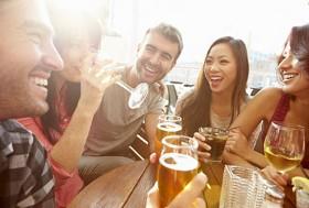 Addiction Alcool - ALCOOL / Pas d'objets incitant à boire de l'alcool pour les mineurs