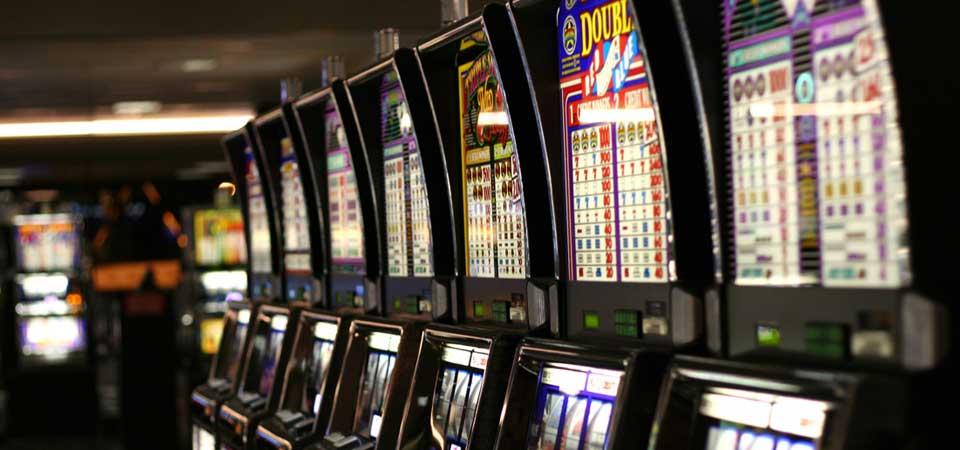Addiction Jeux de hasard et d'argent - ADDICTIONS COMPORTEMENTALES / Loteries et casinos font-ils leur beurre avec les accros ?