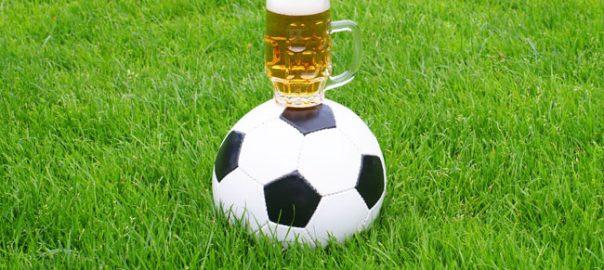 ALCOOL / Football, alcool et publicité: des politiques préparent la rentrée des grands alcooliers