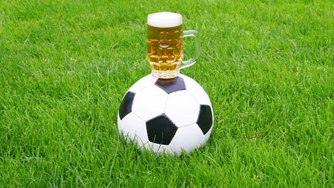 Addiction Alcool - ALCOOL / Football, alcool et publicité: des politiques préparent la rentrée des grands alcooliers