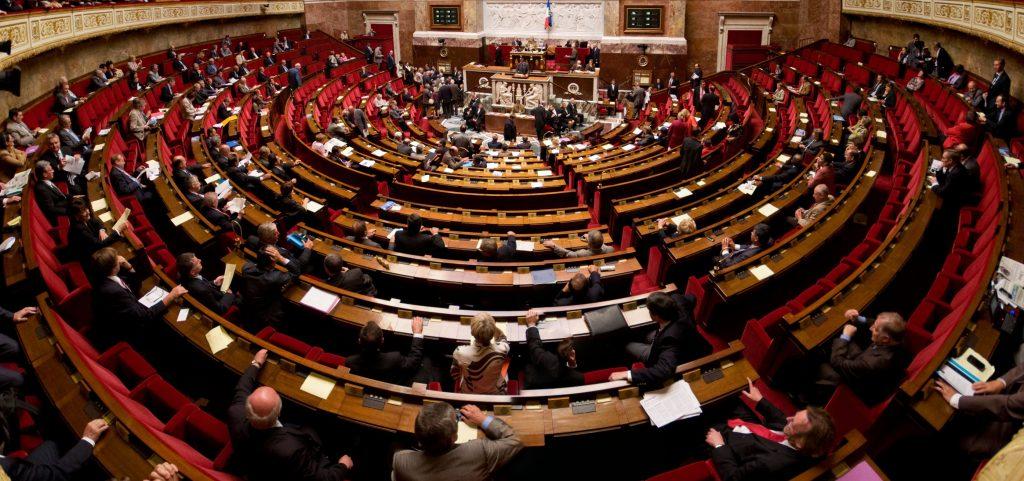 Addiction Tabac - TABAC / Lobbying de l'industrie, 53 parlementaires ont reçu des cadeaux (mais tous ne les ont pas accepté)