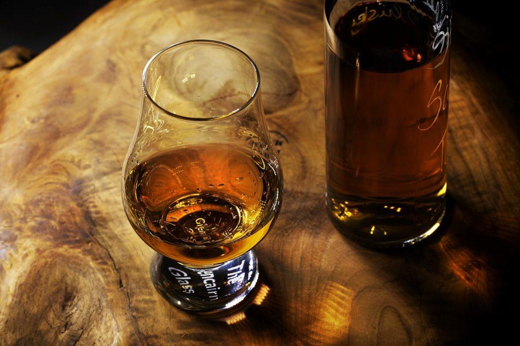 """Addiction Alcool - Témoignage : """"Nathanaël"""", le calvaire d'Anaïs Dariot, maman d'un fils alcoolique"""