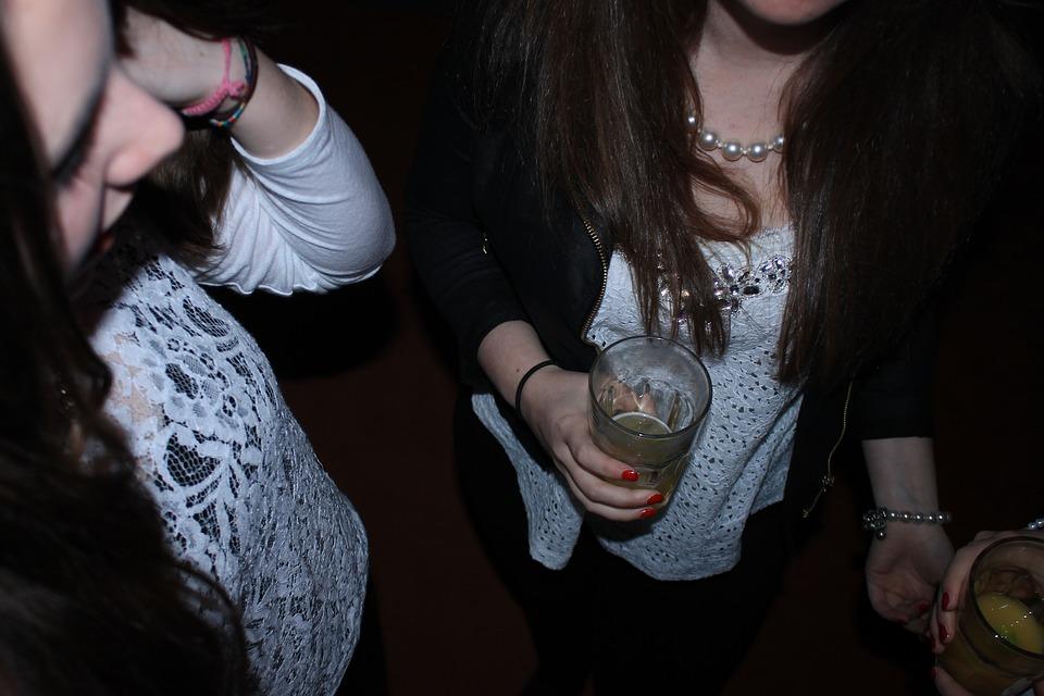 Addiction Alcool - ALCOOL / Lagardère condamné pour des publicités pour le vin sur ados.fr