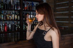 """Des femmes en lutte contre leur dépendance à l'alcool, """"un ennemi quand même assez coriace…"""