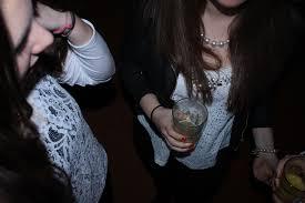 Addiction Alcool - ALCOOL / Les inquiétants abus des jeunes Françaises
