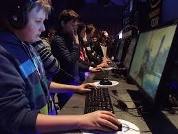 Addiction Autres addictions comportementales - Val-de-Marne : Théo jouait aux jeux vidéo jusqu'à 14 heures par jour