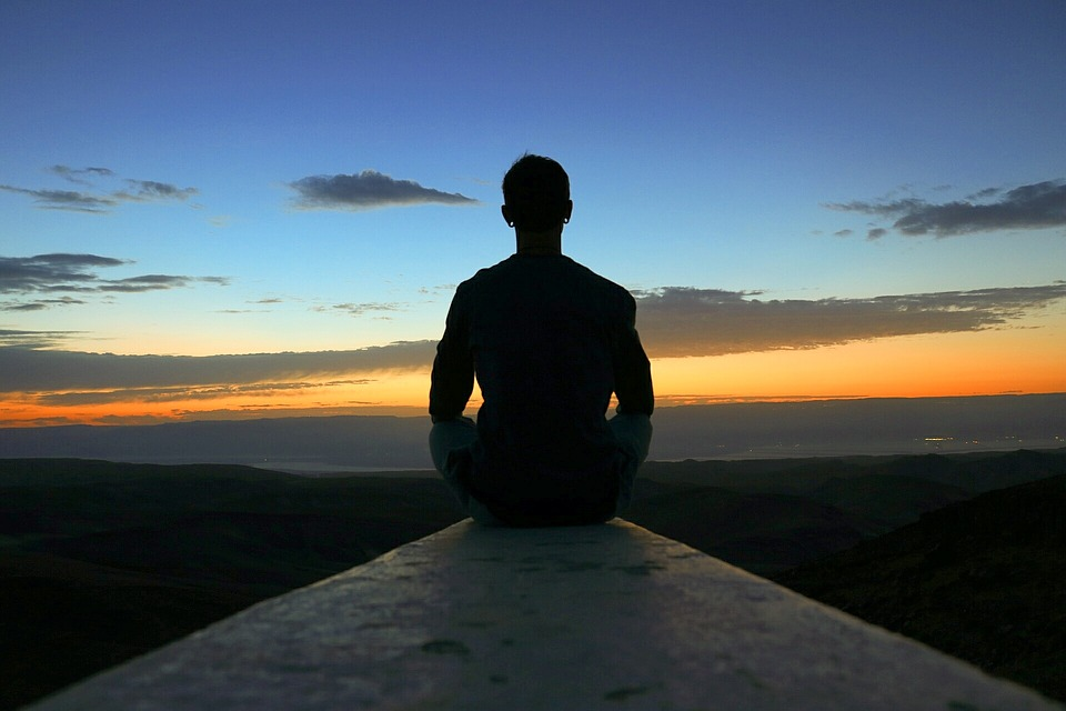 Addiction Autres addictions comportementales - Intervention basée sur la pleine conscience auprès de patients souffrant d'obésité et de trouble de binge eating : résultats préliminaires de l'essai contrôlé randomisé MindOb