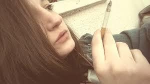 """Addiction Tabac - Mois sans tabac : la consommation recule, sauf chez les femmes à cause du """"lobby du tabac"""""""