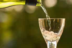 Plus d'1 mineur français de 17 ans sur 3 s'alcoolise avec du vin,