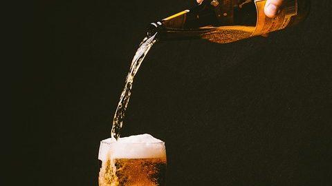 Des députés veulent autoriser la vente d'alcool dans les stades (Le Parisien)