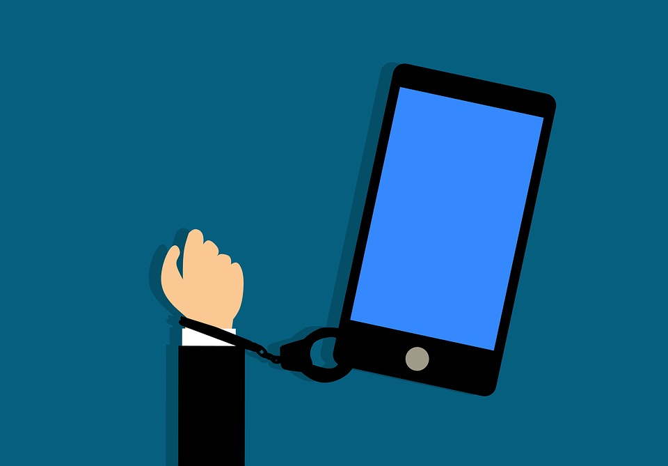 Addiction Jeux vidéo - L'exposition aux écrans : des pratiques excessives