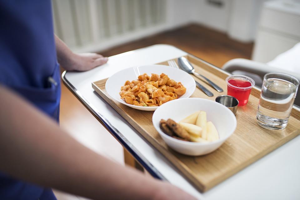 Addiction Trouble alimentaire - Manger à l'hôpital et en famille avec les adolescentes anorexiques : une lecture anthropologique du repas familial thérapeutique
