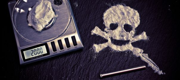 Réprimer pour mieux régner : le gouvernement se mobilise contre les stupéfiants