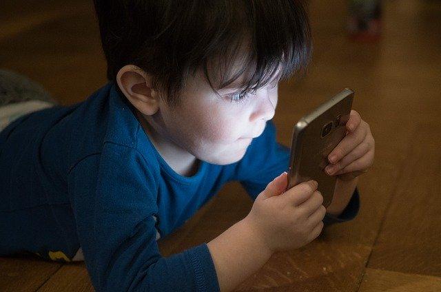 Addiction Jeux vidéo - Un usage intensif des écrans modifie la structure du cerveau des enfants