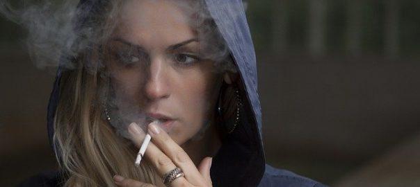 Comment confiner des millions de Français dépendants à l'alcool, au tabac et autres drogues?