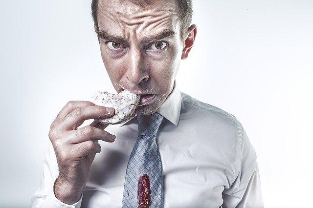 Addiction Autres addictions comportementales - En perturbant nos émotions, le confinement risque de favoriser les troubles alimentaires