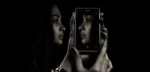 Addiction Autres addictions comportementales - Confinement : gare au naufrage digital ! Un addictologue nous répond (actu.fr)
