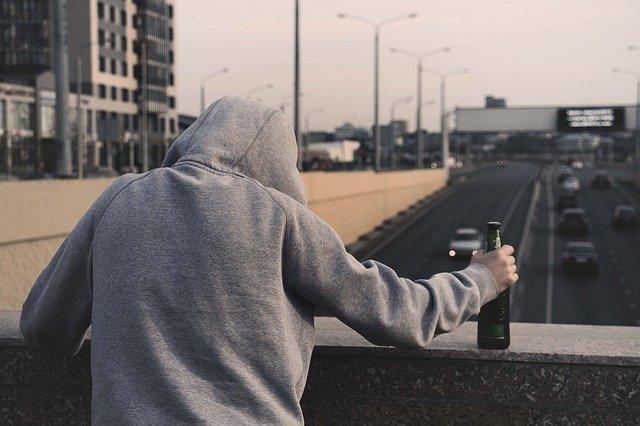 Addiction Autres drogues - Confinement: les usagers de drogues au pied du mur