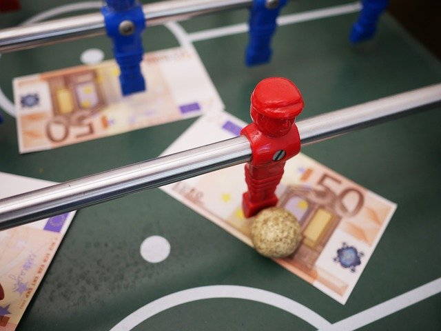 """Addiction Jeux de hasard et d'argent - Paris sportifs """"J'ai frôlé la démence"""" : le récit de Julien, abstinent depuis le confinement"""