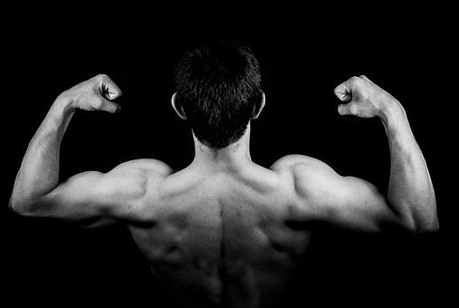 Addiction Addiction au sport - Quand se muscler devient une drogue - Focus sur la dysmorphie musculaire ou anorexie inversée