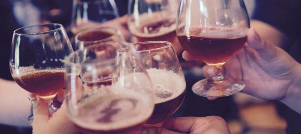 Alcool : Cash Investigation enquête sur les stratégies des alcooliers pour nous faire boire